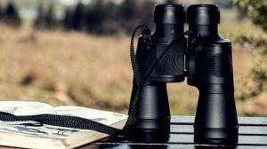 how to start fire with binoculars